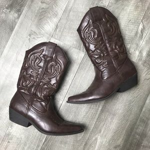 Mossimo brown cowboy boots size 9